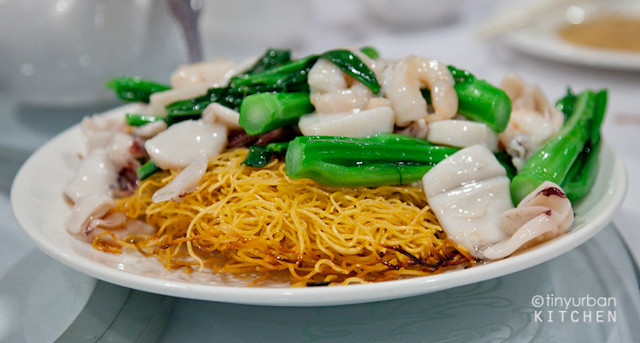 Pan fried golden noodles