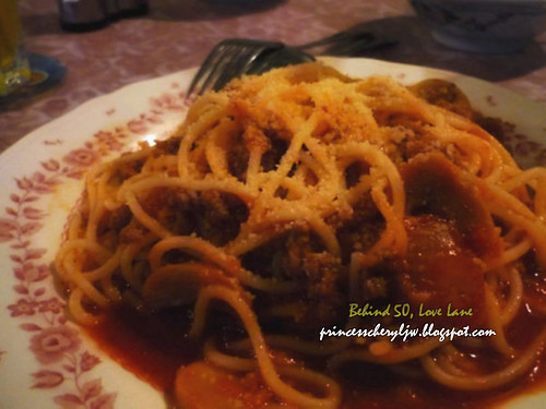 Behind 50 spaghetti bolognese beef_1