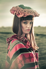 [フリー画像] 人物, 女性, 帽子・キャップ, 201107310900