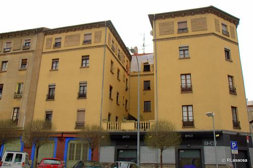 Edificios de viviendas en la calle Olite