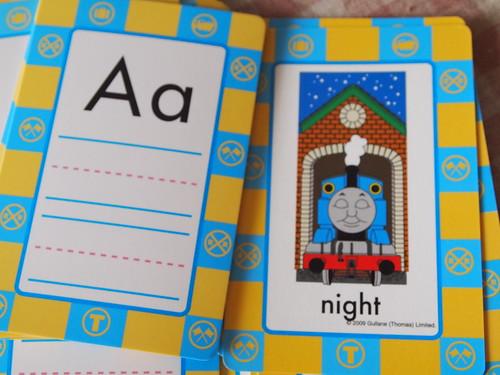 機関車トーマス イラスト入りアルファベット知育玩具
