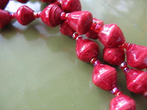 Summer Accessories: Paper beads