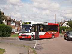 Something new on the DB1 (Lost-Albion) Tags: bedfordshire solo dunstable db1 optare grantpalmer yj05wdc centralbedfordshirecouncil
