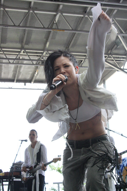 Skylar Grey @ Grant Park, Chicago - Lollapalooza 2011