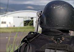 Personnel GIPN (stef974run) Tags: police réunion sag drill hélicoptère gendarmerie bommert exercice ec145 gipn hélicordage