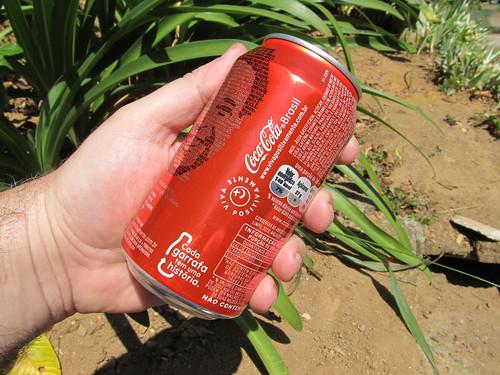 Coca-Cola lata Cada Garrafa tem Uma Historia Det set 2011 Minas Gerais by roitberg