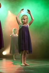 49# Gala Chor'A Corps @ Audun Le Tiche (Fte du Sport et de la Culture) (kazz creation) Tags: 50mm costume nikon lumire danse gala mouvement 18d contemporain scne lelacdescygnes kazzcreation sammyirach sammyirachd90kazzcreation chorcorps