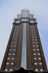 A torre (RadamesM) Tags: winter cold paraná fog arquitetura architecture skyscraper dawn centro curitiba inverno frio amanhecer comercial névoa nevoeiro
