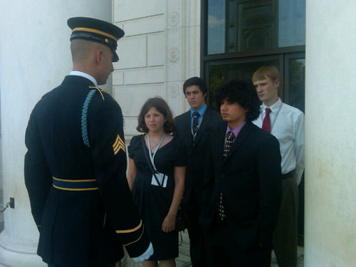 COMM Lays Wreath at Arlington Cemetary