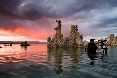 Behind the Scenes: Mono Lake (Tom Lowe @ Timescapes) Tags: sunset red lake mono monolake tufa epic timescapes tomlowe