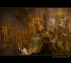 Mammoth Cave: Frozen Niagara [0973] (josefrancisco.salgado) Tags: usa us nikon kentucky unitedstatesofamerica flash cave nikkor cavern mammothcavenationalpark cueva caverna newentrancetour d3s 2470mmf28g edmonsoncounty sb600afspeedlight