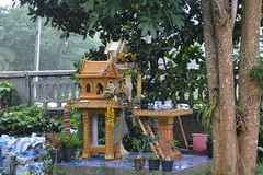 Spirit house (Thailand Musings) Tags: buddhism spirithouse thaiculture