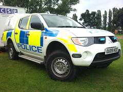 L 200  4 (NW54 LONDON) Tags: police mitsubishil200 hertfordshirepolice