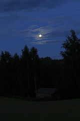 July moon_2011_07_18_0038 (FarmerJohnn) Tags: cloud moon lake reflection water night clouds canon suomi finland july calm silence midnight moonlight vesi kuu y laukaa 24105 1635 jrvi pilvi keskinen heinkuu tyyni keskiy kuutamo valkola vedenpinta hiljaisuus julymoon lakesurface canon7d heijatus anttospohja juhanianttonen