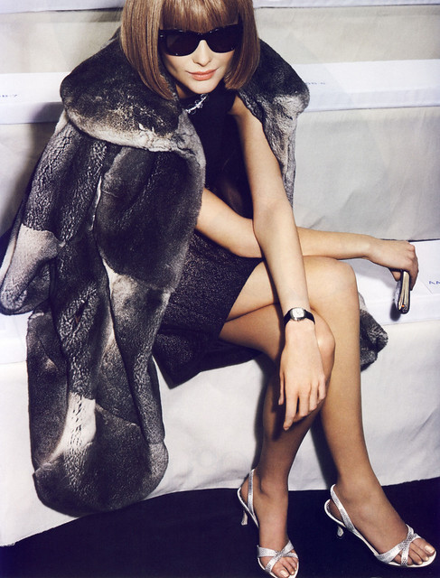 anna-wintour-licone-editorial-by-mario-testino