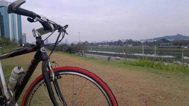 De parque em parque sempre de bike