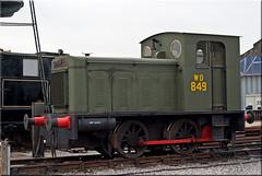 Hunslet 0-4-0DM No. 2067 (PaulHP) Tags: road station train diesel no centre buckinghamshire engine railway steam locomotive bucks quainton hunslet 2067 040dm
