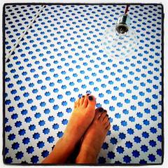 Muy cerca de las estrellas (Laura Marcela Castiblanco) Tags: azul pies estrellas interiorismo revestimiento colorphotoaward lauramarcelaarias instagram