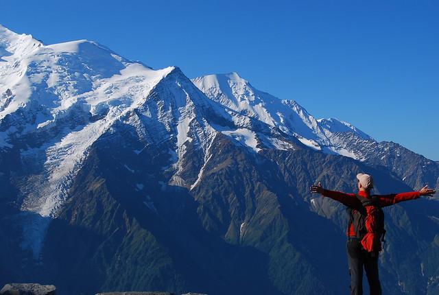 Ignacio Izquierdo frente al Macizo del Mont Blanc