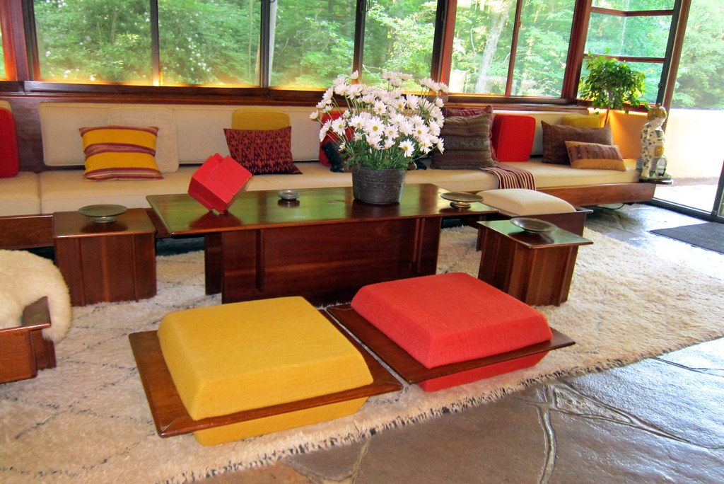 PA - Mill Run: Fallingwater - Livingroom