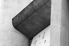 Chapelle Notre-Dame-du-Haut (CrOS Photographie) Tags: france lines architecture modern concrete shadows curves religion sigma chapel moderne chapelle ronchamp lignes ombres bton courbes hautesane blackwhitephotos francecomt 1770mmf2845dcmacro