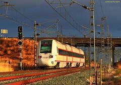 Automotor 598 (HDR) (José Francisco_(Fuen446)) Tags: train tren trenes trains hdr málaga renfe regionalexpress dmu automotor 598 bobadilla diésel s598 automotordiésel