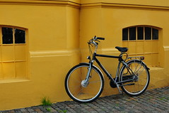 A Bike in Copenhagen (Yohsuke_NIKON_Japan) Tags: bike bicycle yellow 35mm copenhagen denmark nikon europe kbenhavn pastelcolor d300s