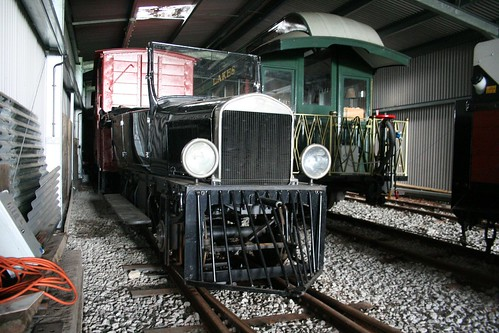 The Model-T Ford replia on tracks