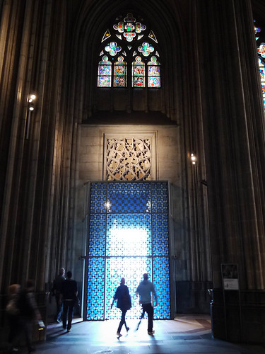 Couple leaving the Cologne Cathedral