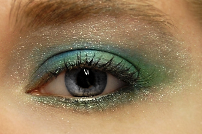 Mermaid Inspired Eye Shadow Look