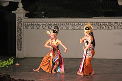 Ramayana Ballet - Yogyakarta (Java - Indonesia) (Meteorry) Tags: ballet art indonesia monkey march java dance asia theater stage performance deer yogyakarta jawa marica sanskrit ramayana hanoman epos 2011 shinta centraljava meteorry jawatengah walmiki rahwana laksmana wijana dandaka alengka