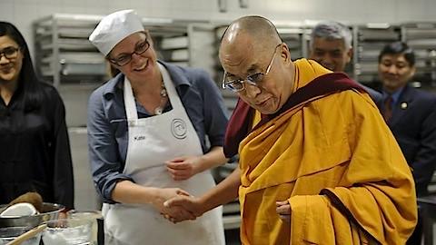 947039-dalai-lama-masterchef.jpg
