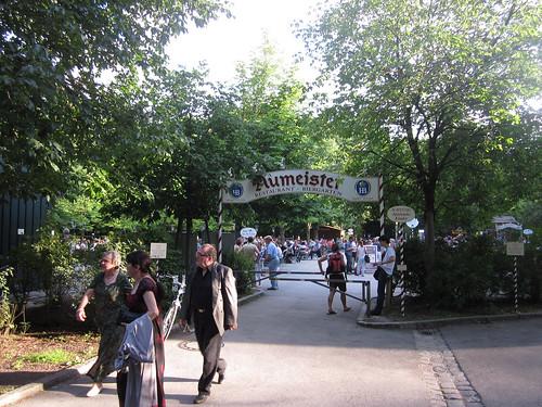 Aumeister Biergarten - Eingang