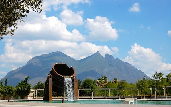 Cerro de la Silla, Paseo Santa Lucia, Monterrey