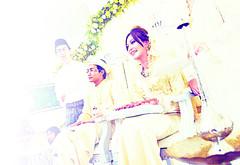 Haris16 (Zefri of freeZe) Tags: wedding loving happy bride photographer outdoor balloon freeze malaysia minimalist raja pengantin melayu kebaya kek selangor shah alam sehari perkahwinan belon merenjis jurugambar zefri