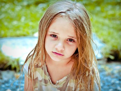[フリー画像] 人物, 子供, 少女・女の子, 201107221300