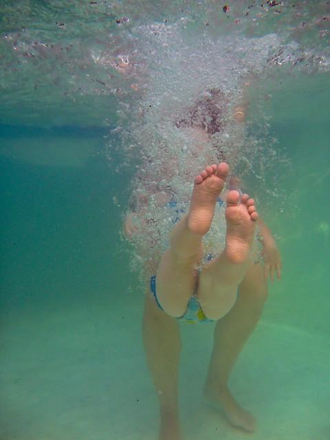 203/365 - July 22, 2011 - Lily makes a Splash