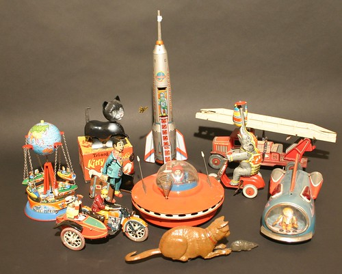 Tin toys from the 1930s - 1960s