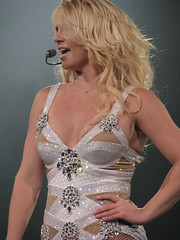 (wereonfirenow) Tags: ohio tour spears femme cleveland arena britney loans quicken fatala