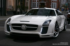 BEAST! (Richard de Heus) Tags: fab white london design mercedesbenz sls amg fabdesign sloanestreet gullstream