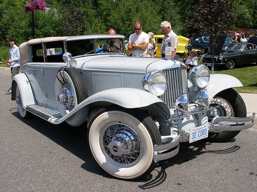 classic boat and car show in Rosseau