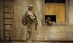 Keep an eye on that guy (The U.S. Army) Tags: infantry training us military mobilization usarmy cst airassault ntc ch47 multicam campatterbury provincialreconstructionteam fortpolk jrtc prtlaghman cordonsecurity