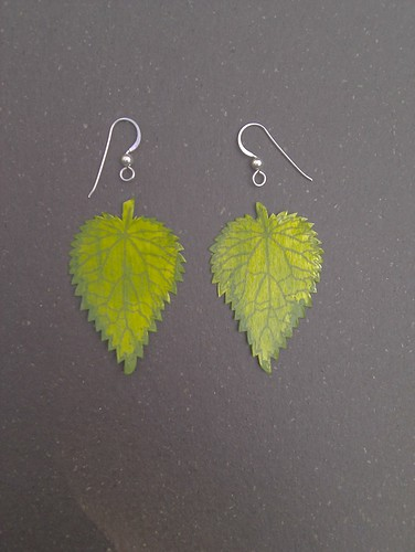 Veined nettle earrings 1