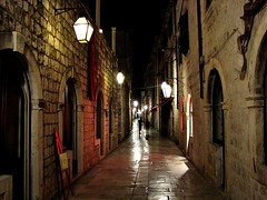 Old Town, Dubrovnik, Croatia (Ferry Vermeer) Tags: travel architecture night croatia facades unescoworldheritagesite unesco worldheritagesite lane lanterns lamps oldtown croazia dubrovnik dubrovnic croacia ragusa croatie hrvatska dalmatia dalmacija kroatien chorwacja travelphotography worldheritagesites kroati chorvatsko unescoworldheritagesites horvtorszg krata   crocia dubrownik raguse pearloftheadriatic hrvatistan hrvaka chorvtsko dubrovniku   raguza  dubrovnikneretva    kroaci windinglane       dubrovakoneretvanskaupanija dubrovakoneretvanska dubrovnikneretvacounty thepearloftheadriatic croaia  dubrovnikas windinglanes formerragusa  ferryvermeer dubeurobeunikeu tubrobnik ragosa   raguxa ragsa