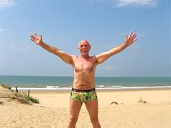 Royan 555 (bernard-paris) Tags: beach plage royan plagedelapalmyre