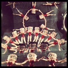 La loca de la izquierda (blackferien) Tags: mxico square mexico lulu brannan juguetes ciudaddemxico chilangolandia museodeljuguete iphoneography