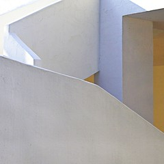 a touch of yellow (* onda *) Tags: light sun white lines yellow wall stairs shadows positive wiobw