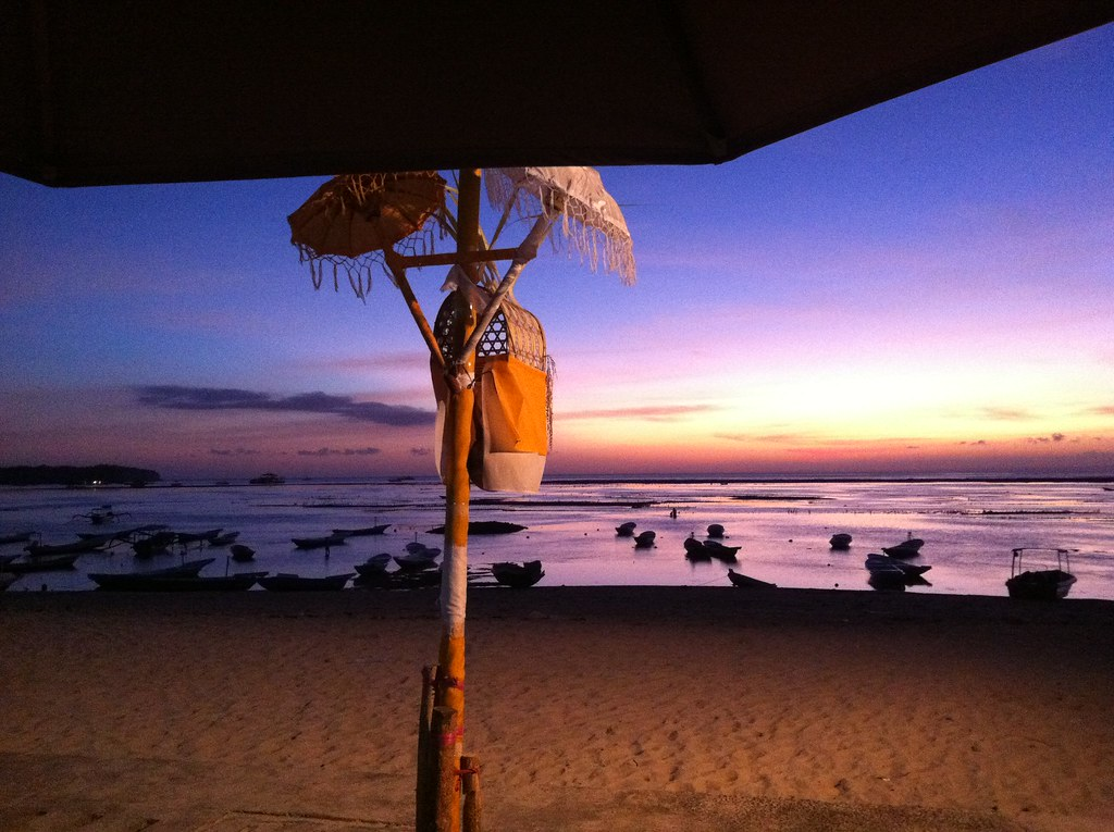 Umbrella sunset, Nusa Lembongan