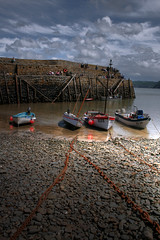 Clovelly (Vicky...Lewis (www.vixgallery.com)) Tags: uk sea england sky southwest clouds canon boats coast chains village harbour britain devon fishingboats clovelly fishingvillage westcountry northdevon abigfave