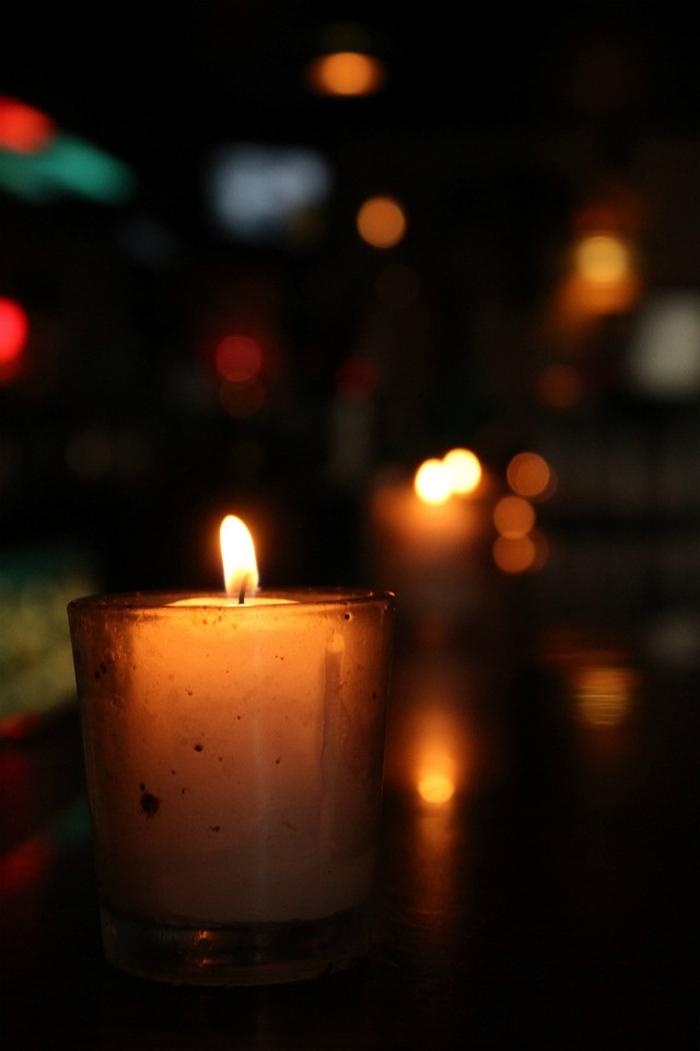 lone palm candle